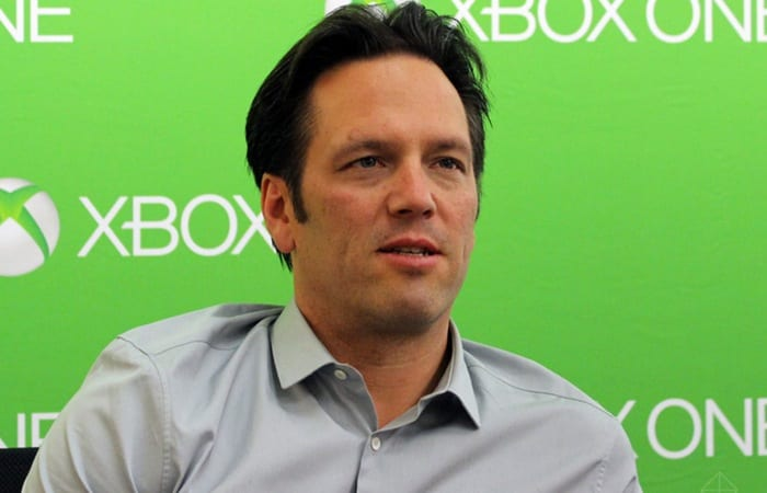 Phil Spencer, twitter, defense, UWP