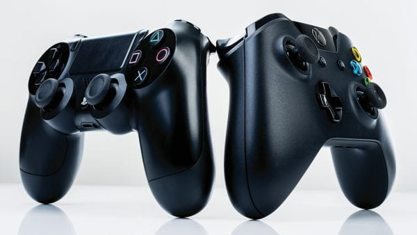 PS4 Xbox one COntrollers