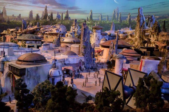 Star Wars, Disneyland, Disney World