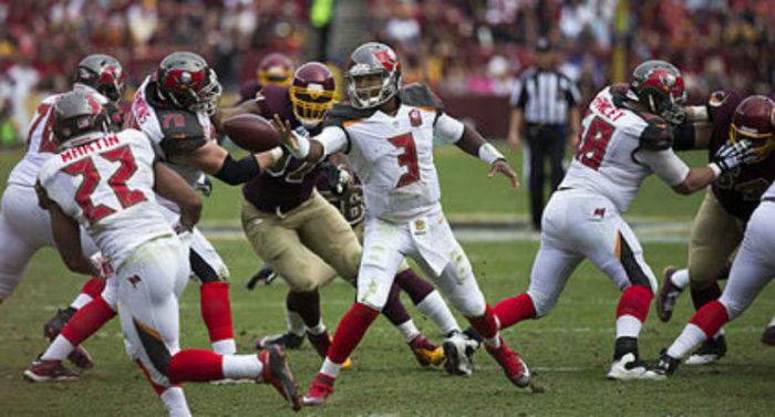 Jameis_Winston_vs_Redskins_2015