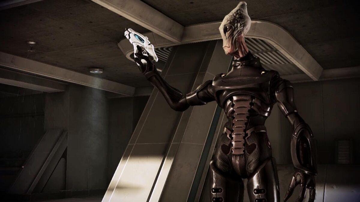 Mass Effect How to Save Captain Kirrahe